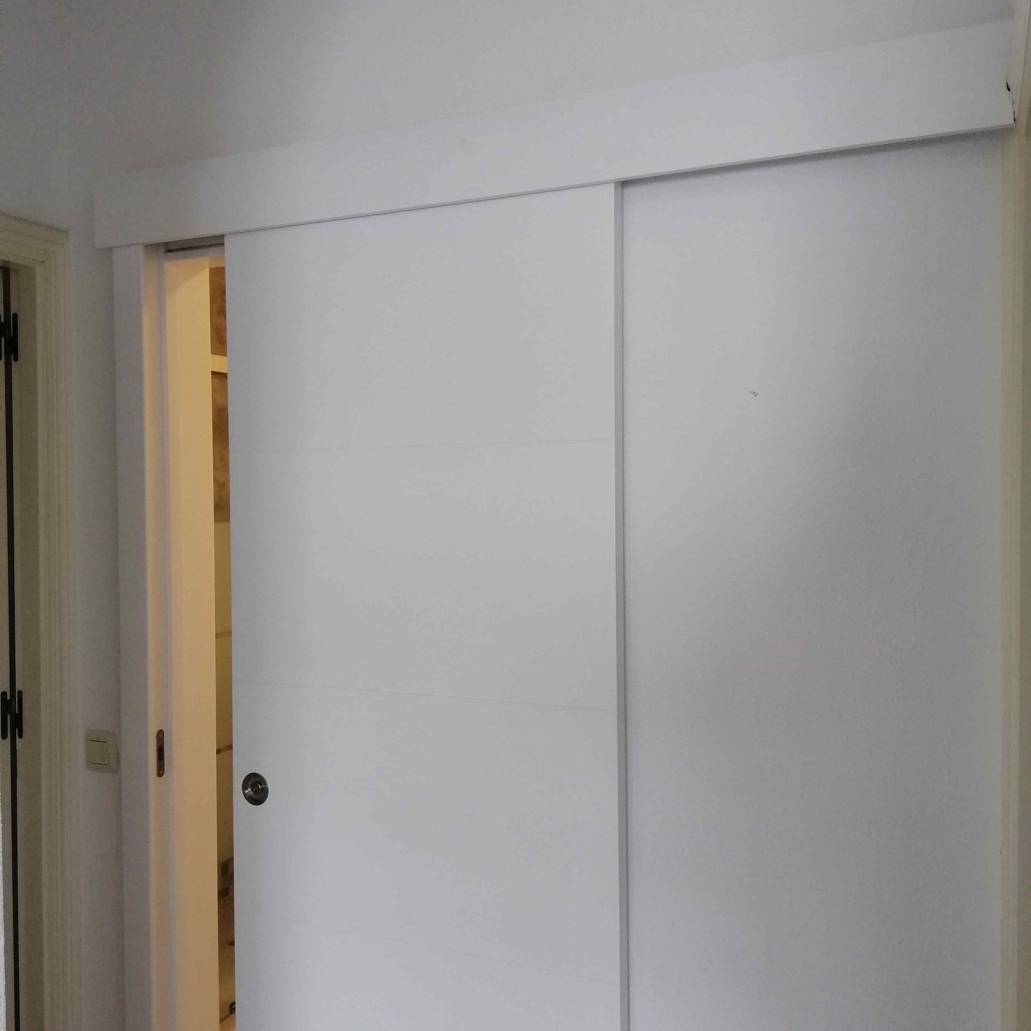 carpinteria-de-madera-puerta-corredera-vista-pilar-de-la-horadada-torrevieja