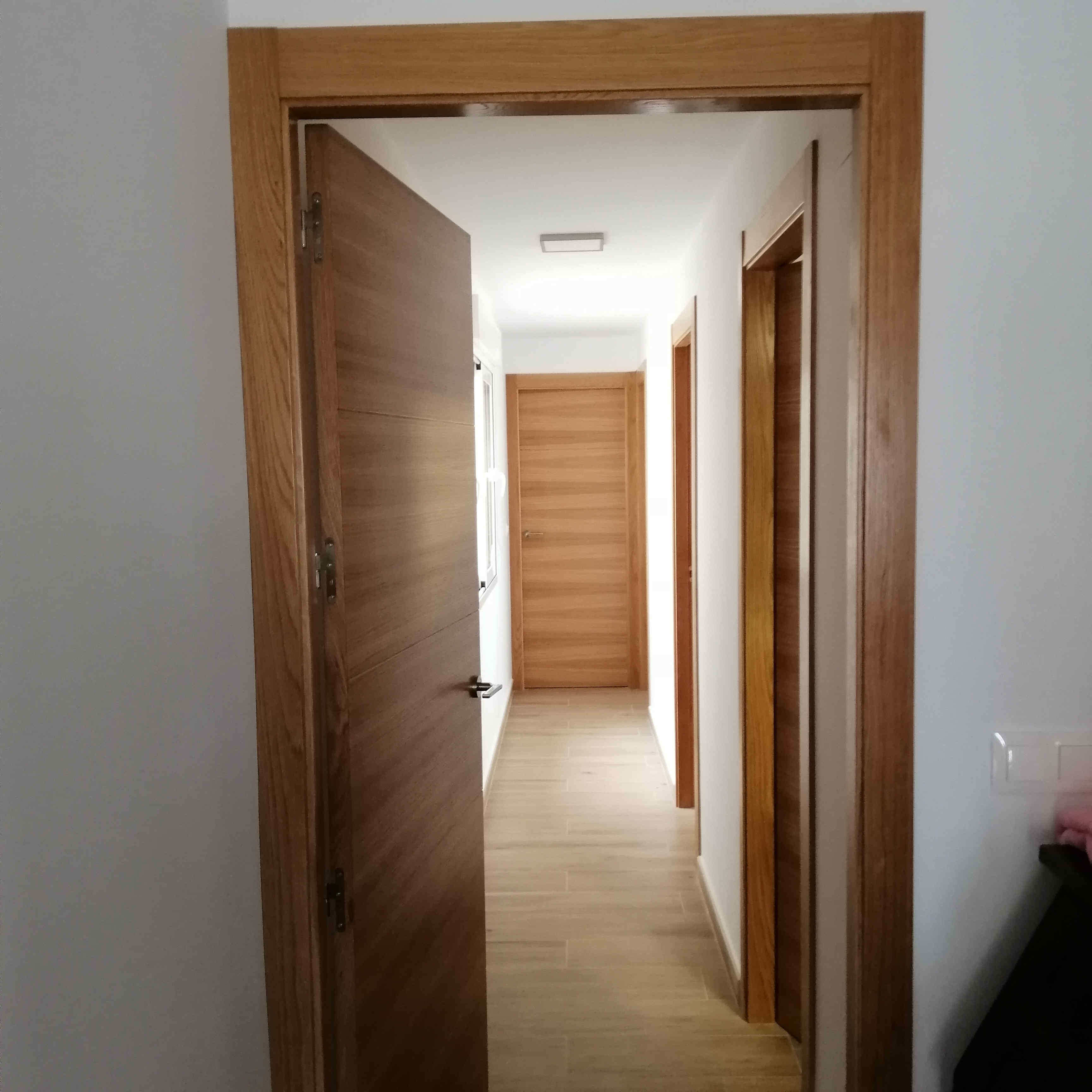 carpinteria-de-madera-torrrevieja-tapajuntas