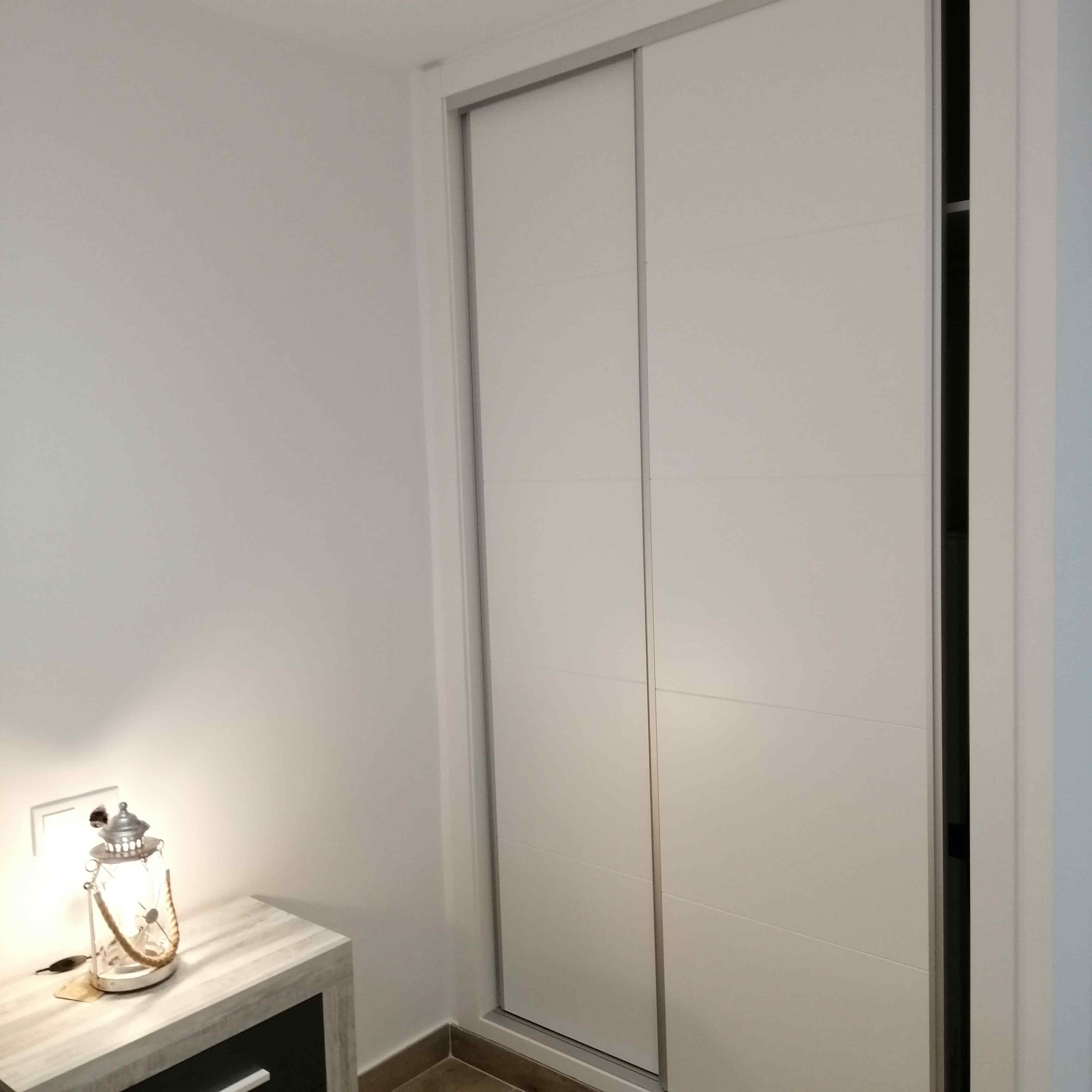armarios-a-medida-armario-empotrado-carpinteia-de-madera-orihuela-costa