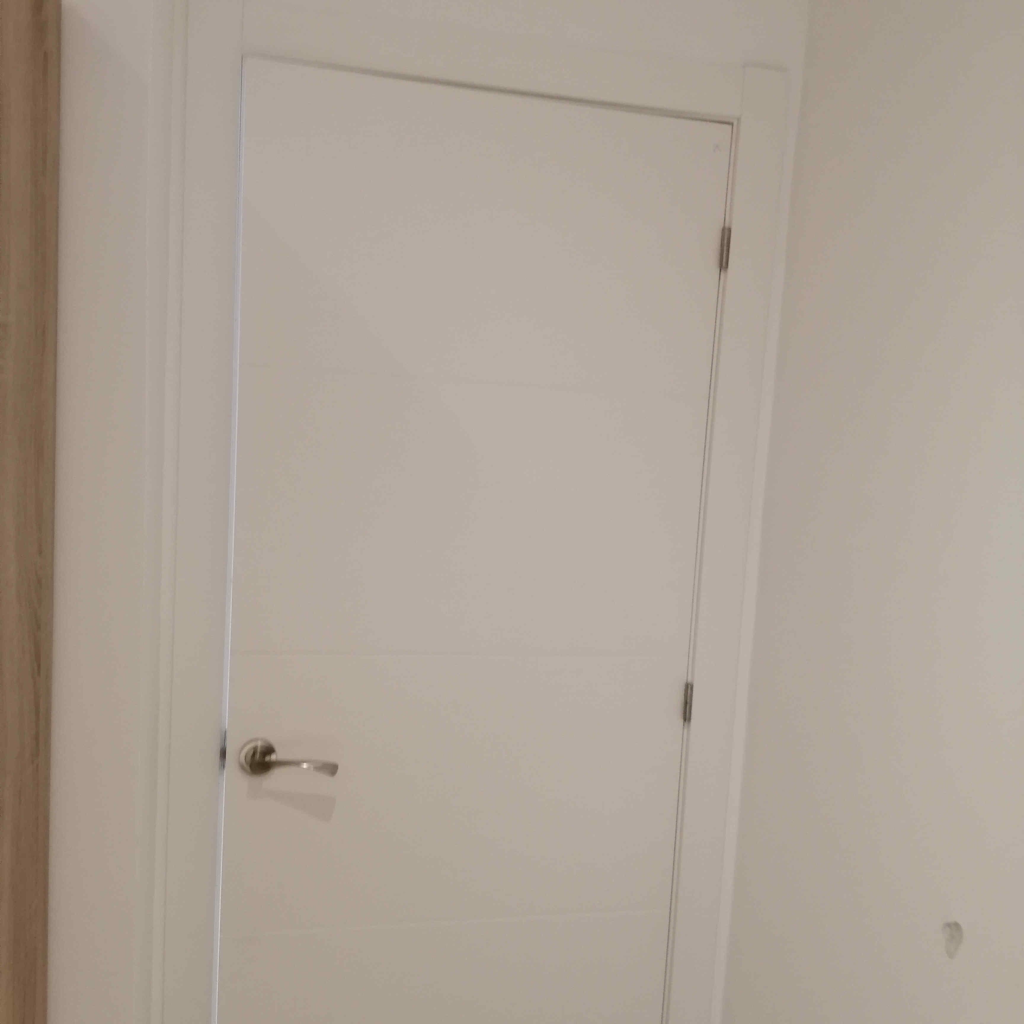 carpinteria-de-madera-orihuela-costa-puertas-de-paso-dm-blanco