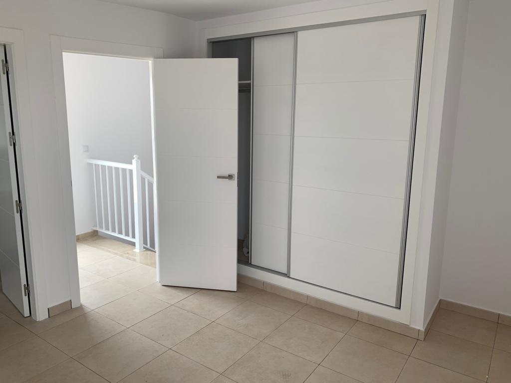 carpintero-de-puertas-de-madera