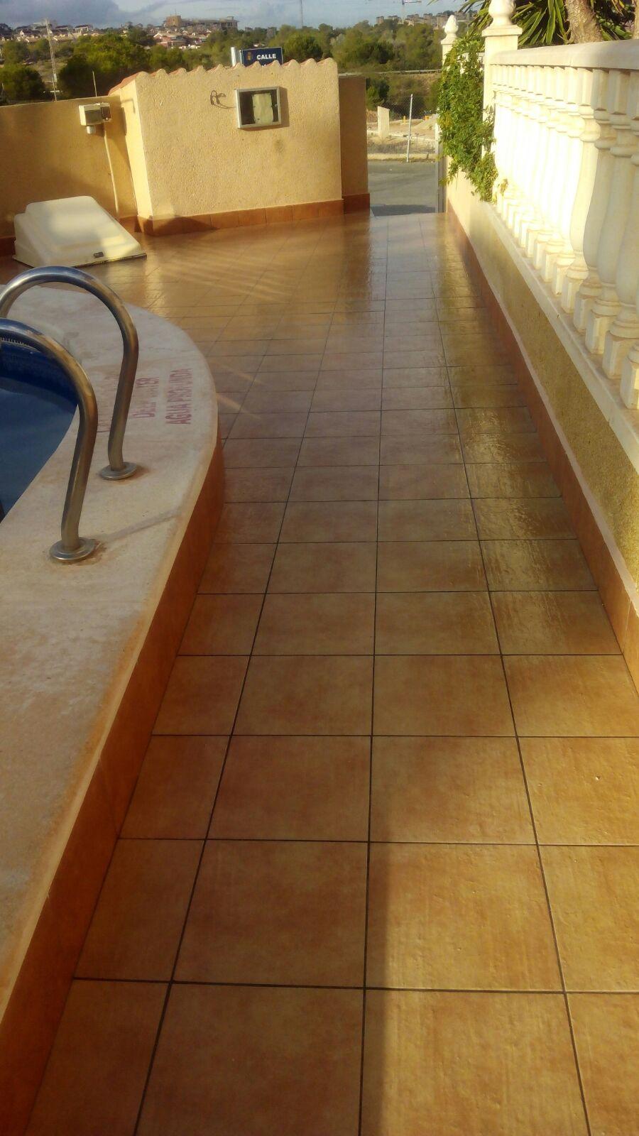 empresa de reformas rojales solado piscina