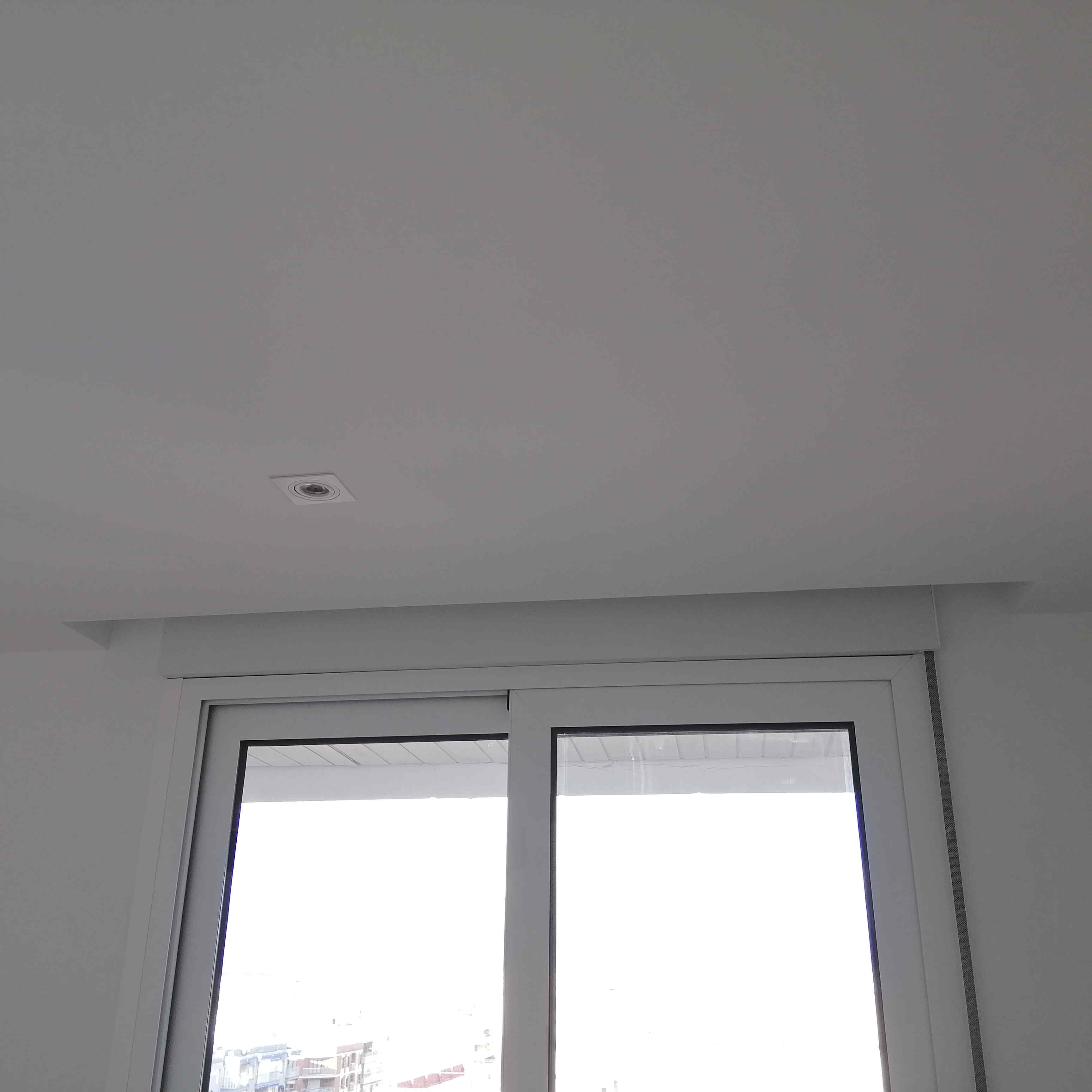 ventana-de-aluminio-corredera-puente-termico-torrevieja-cortinero